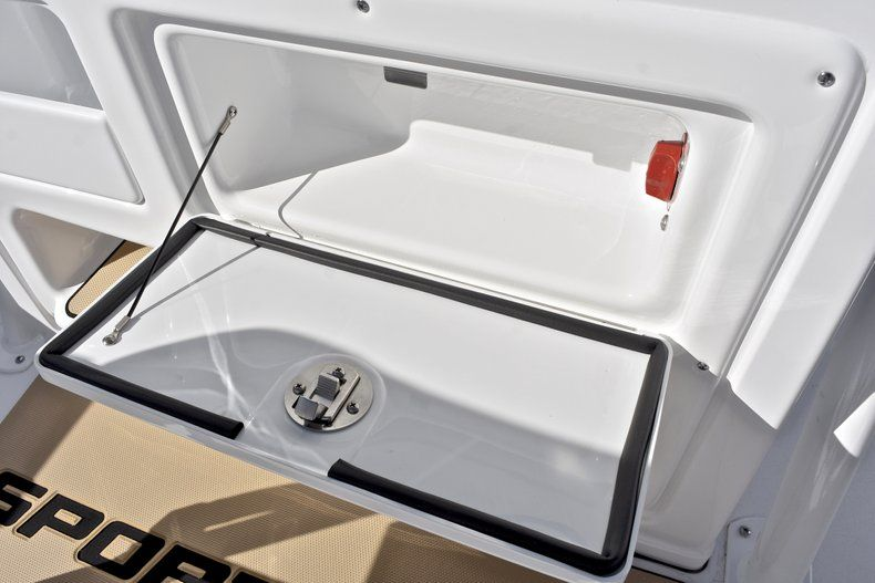Thumbnail 36 for New 2018 Sportsman Heritage 211 Center Console boat for sale in West Palm Beach, FL