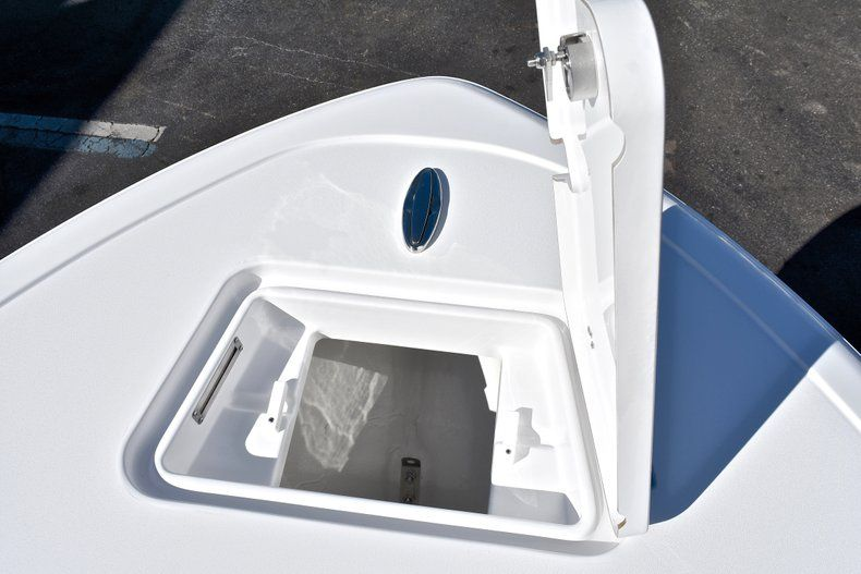 Thumbnail 48 for New 2018 Sportsman Heritage 211 Center Console boat for sale in West Palm Beach, FL