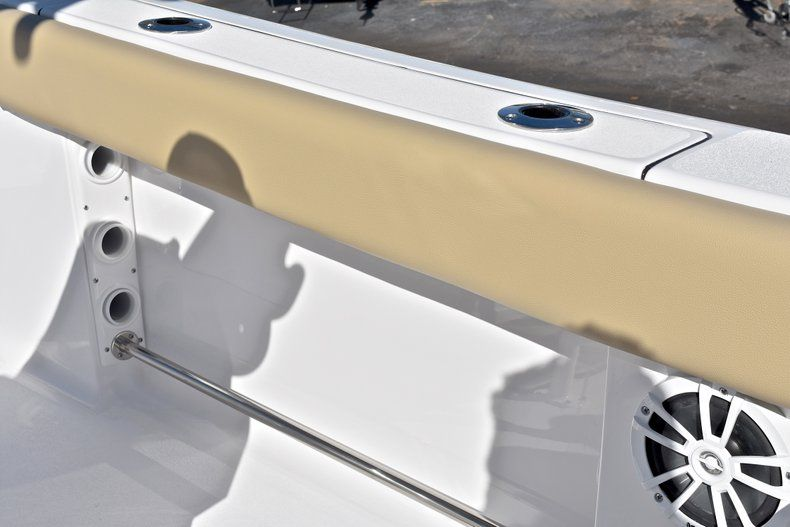 Thumbnail 21 for New 2018 Sportsman Heritage 211 Center Console boat for sale in West Palm Beach, FL