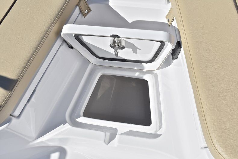 Thumbnail 46 for New 2018 Sportsman Heritage 211 Center Console boat for sale in West Palm Beach, FL