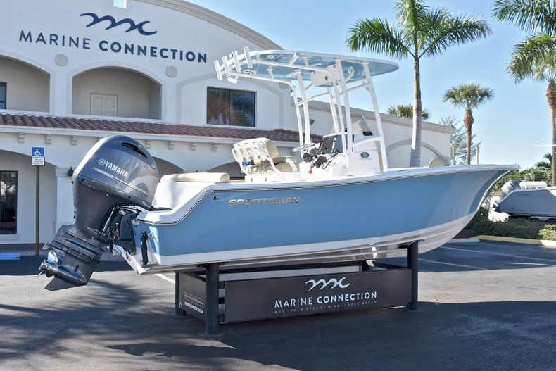 Thumbnail 7 for New 2018 Sportsman Heritage 211 Center Console boat for sale in West Palm Beach, FL