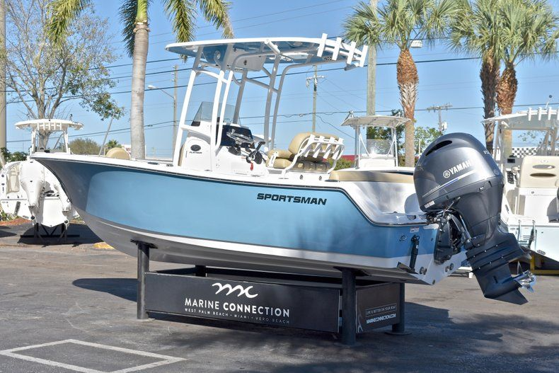 Thumbnail 5 for New 2018 Sportsman Heritage 211 Center Console boat for sale in West Palm Beach, FL