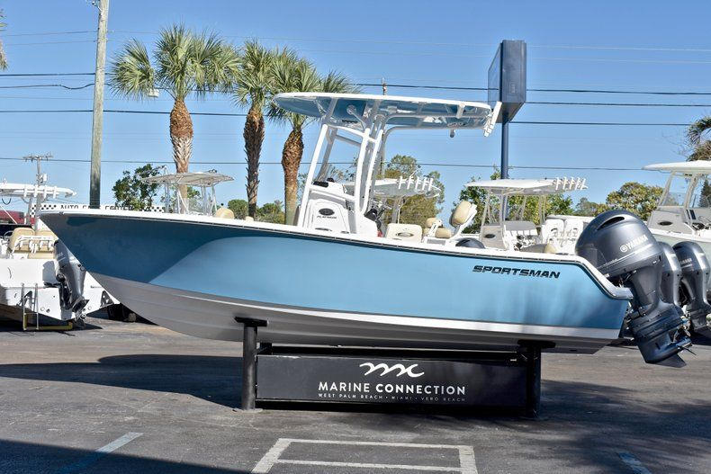 Thumbnail 4 for New 2018 Sportsman Heritage 211 Center Console boat for sale in West Palm Beach, FL