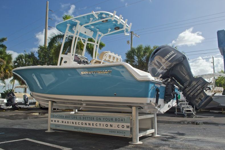 Thumbnail 7 for New 2017 Sportsman Open 212 Center Console boat for sale in Fort Lauderdale, FL