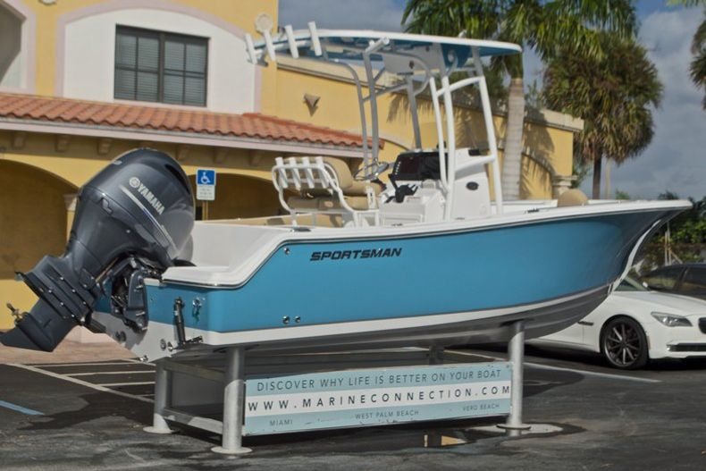 Thumbnail 9 for New 2017 Sportsman Open 212 Center Console boat for sale in Fort Lauderdale, FL