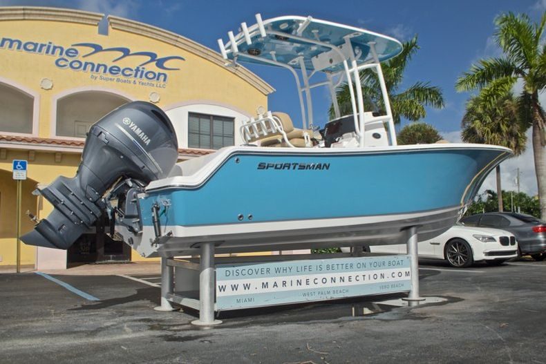 Thumbnail 10 for New 2017 Sportsman Open 212 Center Console boat for sale in Fort Lauderdale, FL