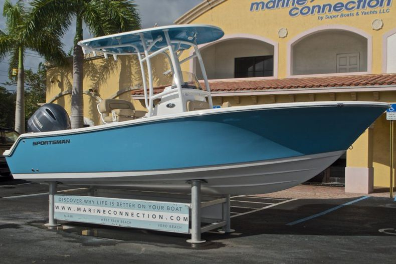 Thumbnail 1 for New 2017 Sportsman Open 212 Center Console boat for sale in Fort Lauderdale, FL