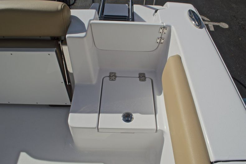 Thumbnail 20 for New 2017 Sportsman Open 212 Center Console boat for sale in Fort Lauderdale, FL