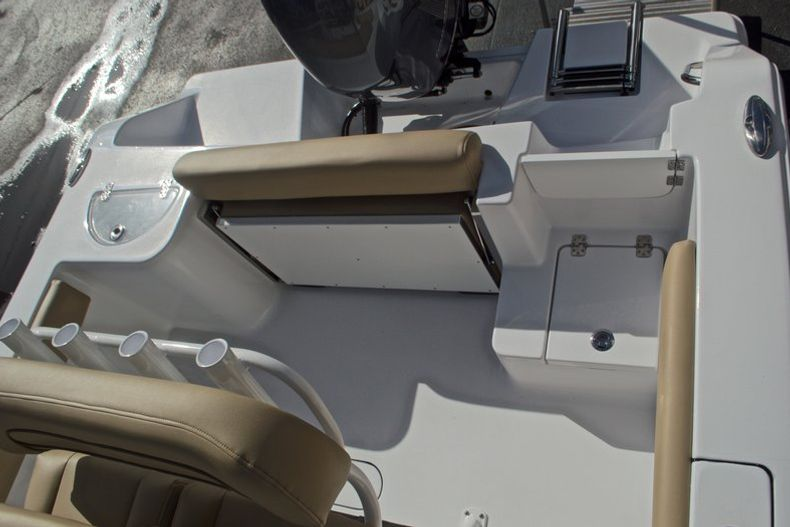 Thumbnail 14 for New 2017 Sportsman Open 212 Center Console boat for sale in Fort Lauderdale, FL