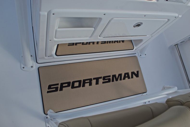 Thumbnail 38 for New 2017 Sportsman Open 212 Center Console boat for sale in Fort Lauderdale, FL