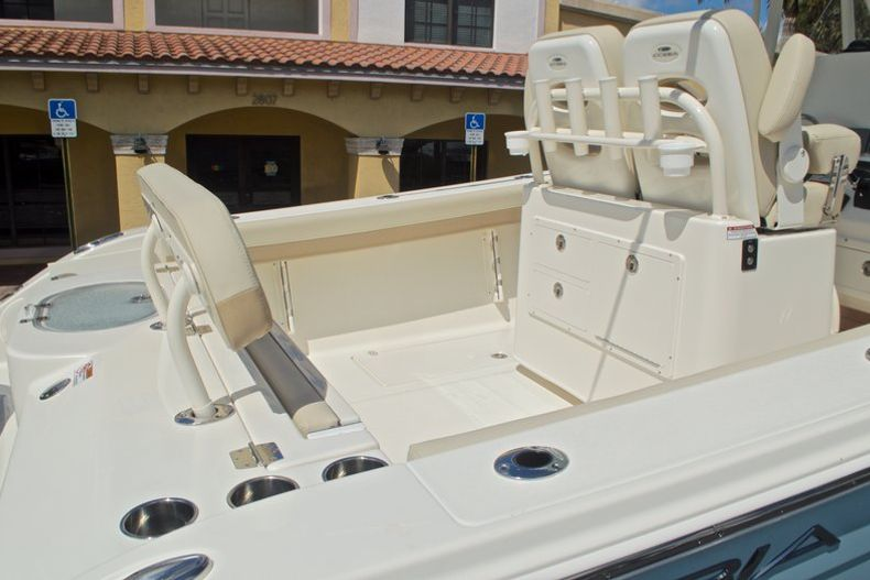 Thumbnail 14 for New 2017 Cobia 277 Center Console boat for sale in West Palm Beach, FL