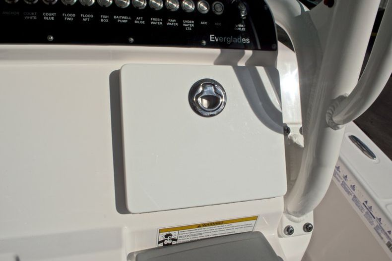 Thumbnail 34 for Used 2014 Everglades 243 Center Console boat for sale in West Palm Beach, FL