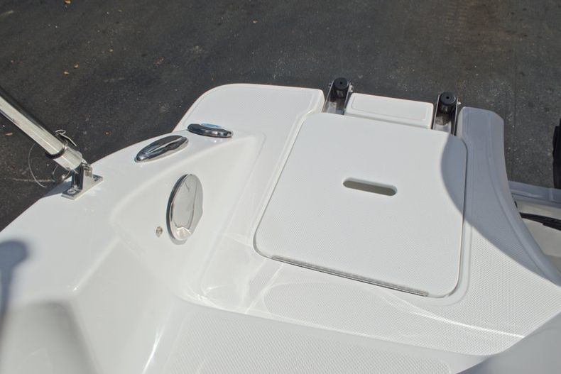 Thumbnail 13 for New 2017 Hurricane SunDeck SD 187 OB boat for sale in West Palm Beach, FL