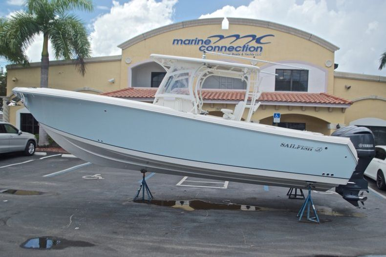 Used 2015 Sailfish 320 CC Center Console boat for sale in West Palm Beach, FL