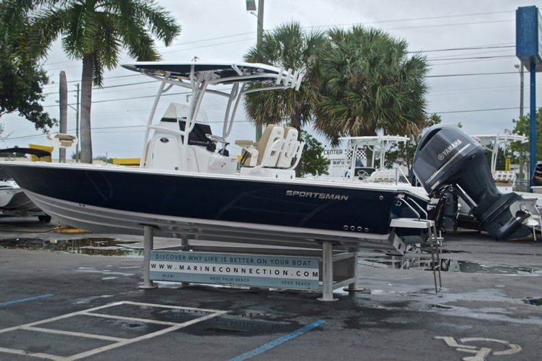 Thumbnail 6 for New 2017 Sportsman Masters 267 Bay Boat boat for sale in West Palm Beach, FL