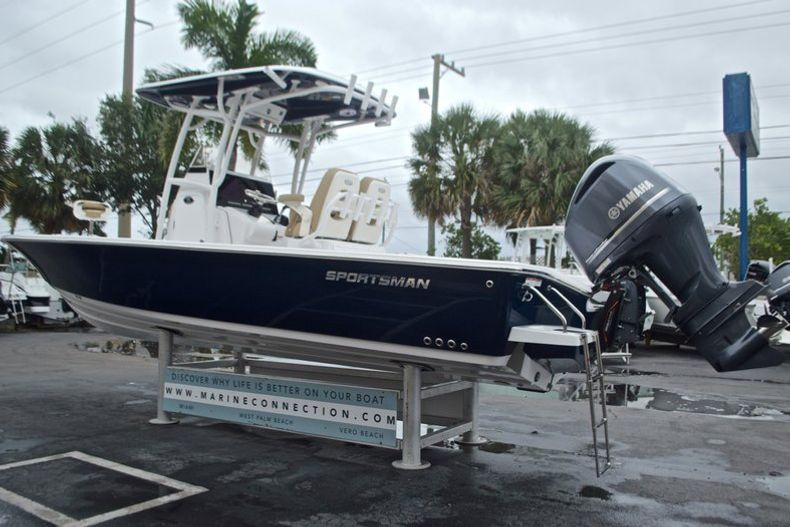 Thumbnail 7 for New 2017 Sportsman Masters 267 Bay Boat boat for sale in West Palm Beach, FL