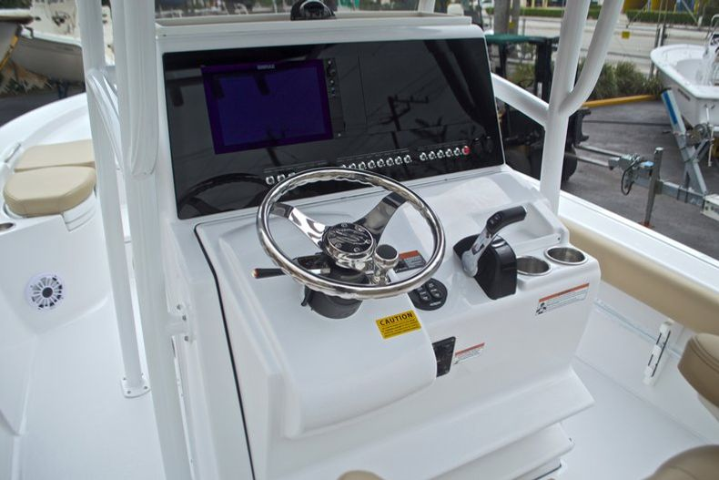 Thumbnail 37 for New 2017 Sportsman Masters 267 Bay Boat boat for sale in West Palm Beach, FL