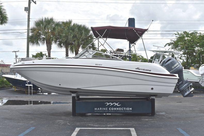 Thumbnail 4 for New 2019 Hurricane 217 SunDeck OB boat for sale in Vero Beach, FL