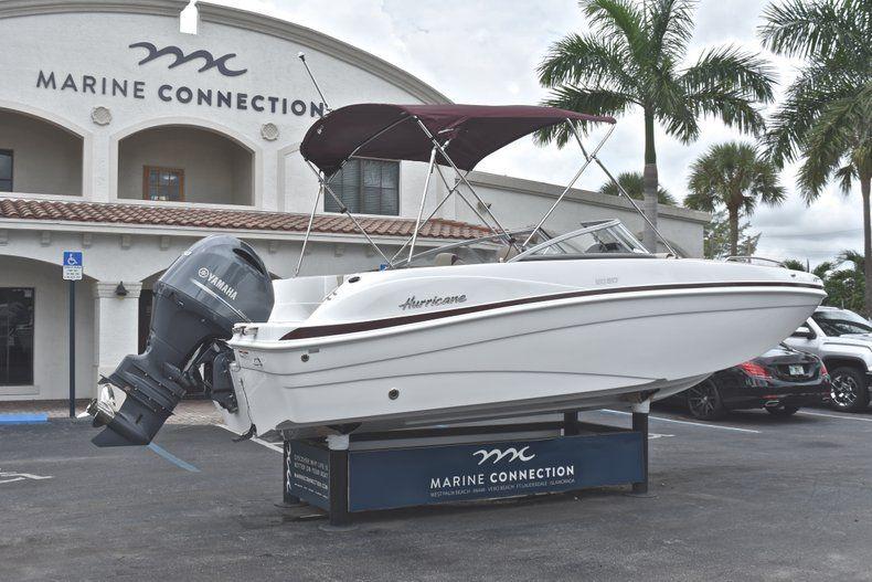 Thumbnail 7 for New 2019 Hurricane 217 SunDeck OB boat for sale in Vero Beach, FL