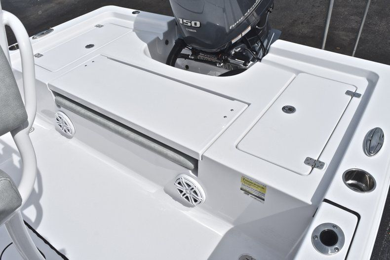 Thumbnail 9 for New 2019 Sportsman Masters 207 Bay Boat boat for sale in Vero Beach, FL