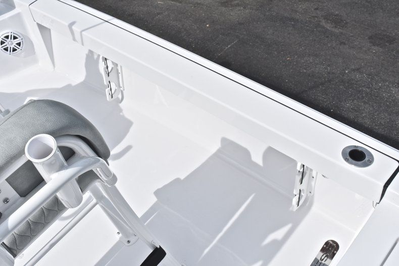 Thumbnail 18 for New 2019 Sportsman Masters 207 Bay Boat boat for sale in Vero Beach, FL