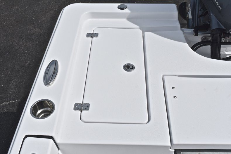 Thumbnail 11 for New 2019 Sportsman Masters 207 Bay Boat boat for sale in Vero Beach, FL