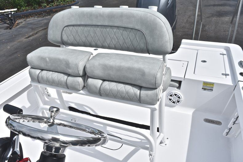 Thumbnail 21 for New 2019 Sportsman Masters 207 Bay Boat boat for sale in Vero Beach, FL