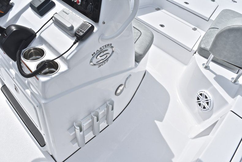 Thumbnail 34 for New 2019 Sportsman Masters 207 Bay Boat boat for sale in Vero Beach, FL