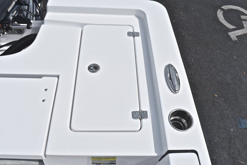 Thumbnail 16 for New 2019 Sportsman Masters 207 Bay Boat boat for sale in Vero Beach, FL