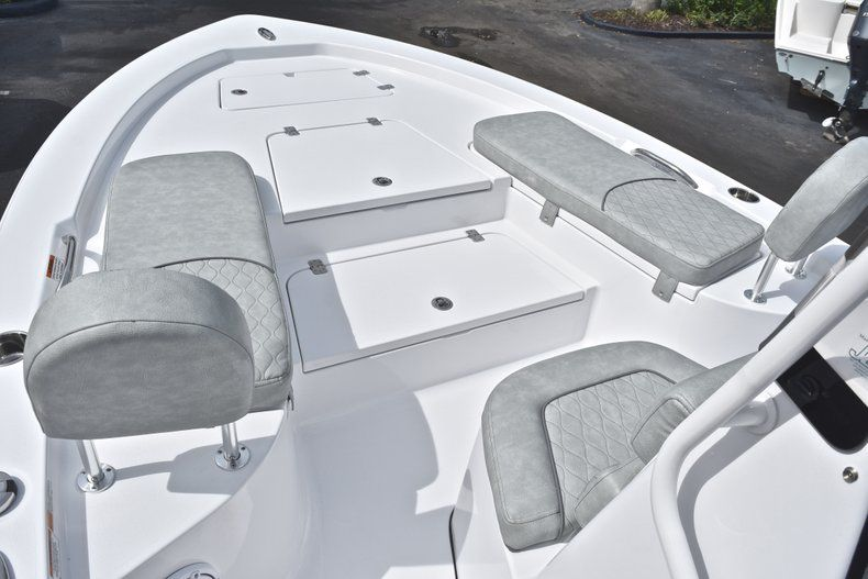 Thumbnail 36 for New 2019 Sportsman Masters 207 Bay Boat boat for sale in Vero Beach, FL