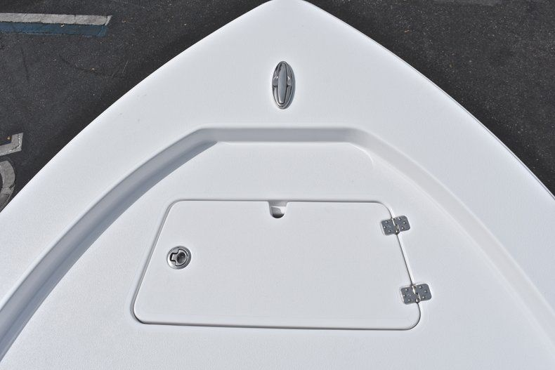 Thumbnail 48 for New 2019 Sportsman Masters 207 Bay Boat boat for sale in Vero Beach, FL