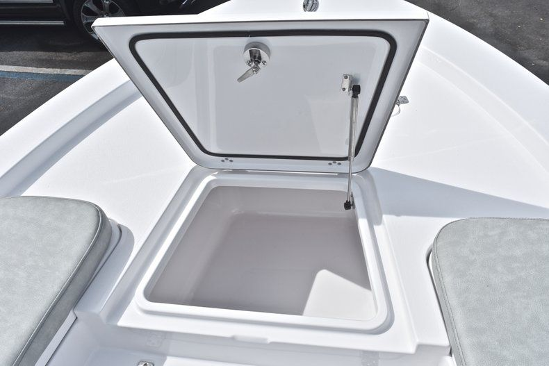 Thumbnail 43 for New 2019 Sportsman Masters 207 Bay Boat boat for sale in Vero Beach, FL