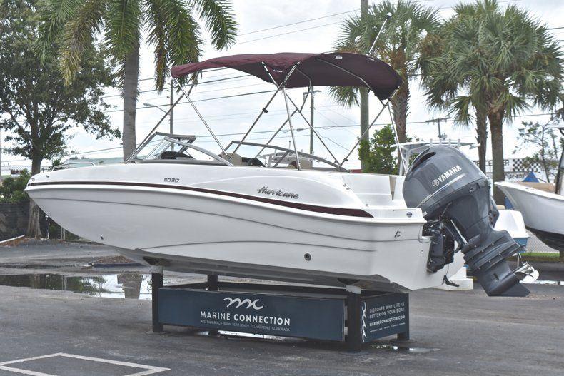 Thumbnail 5 for New 2019 Hurricane 217 SunDeck OB boat for sale in Miami, FL