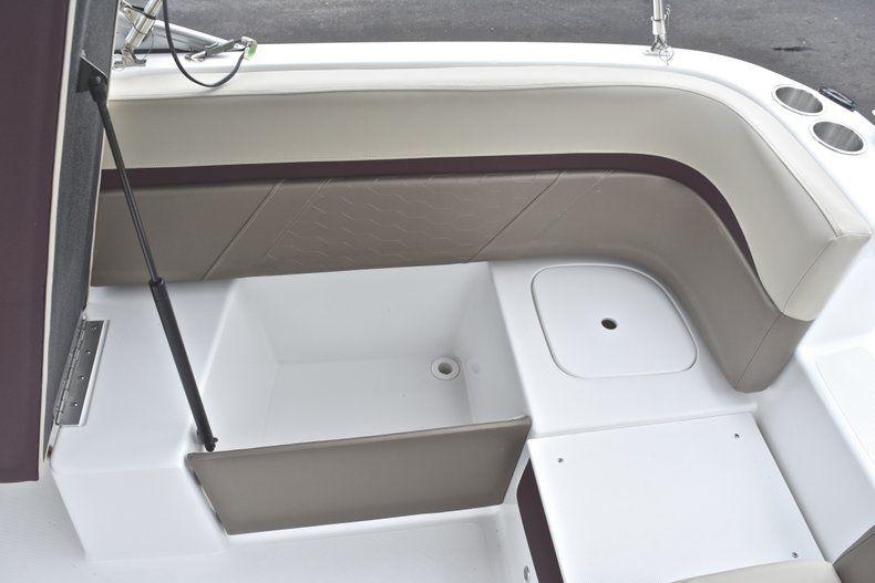 Thumbnail 18 for New 2019 Hurricane 217 SunDeck OB boat for sale in Miami, FL