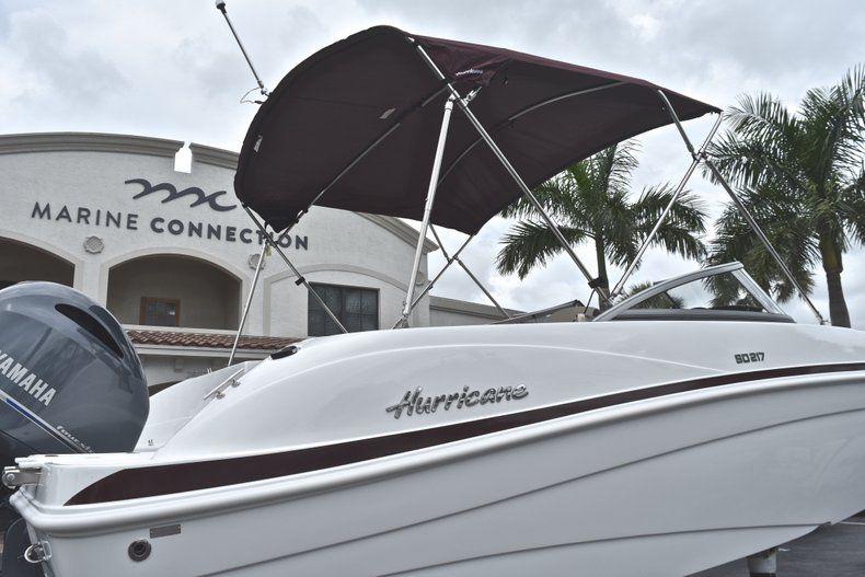 Thumbnail 8 for New 2019 Hurricane 217 SunDeck OB boat for sale in Miami, FL