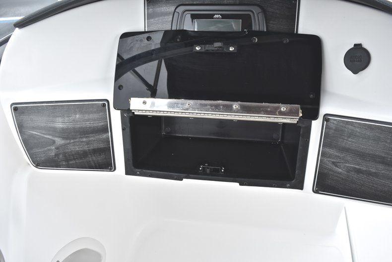 Thumbnail 31 for New 2019 Hurricane 217 SunDeck OB boat for sale in Miami, FL