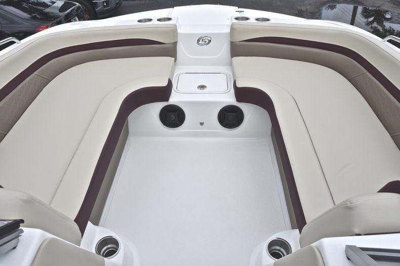 Thumbnail 44 for New 2019 Hurricane 217 SunDeck OB boat for sale in Miami, FL