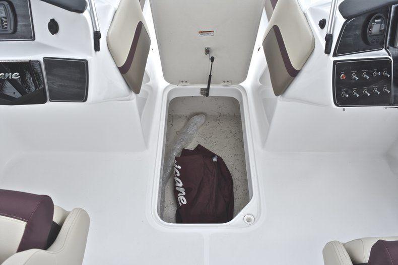Thumbnail 43 for New 2019 Hurricane 217 SunDeck OB boat for sale in Miami, FL