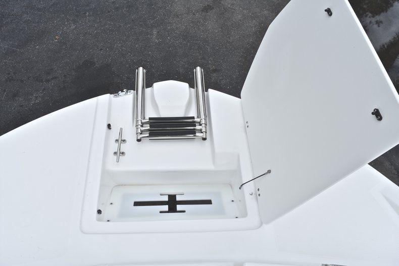 Thumbnail 54 for New 2019 Hurricane 217 SunDeck OB boat for sale in Miami, FL