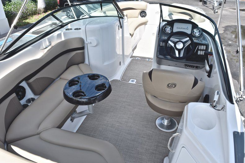 Thumbnail 16 for New 2019 Hurricane SunDeck SD 2200 OB boat for sale in West Palm Beach, FL