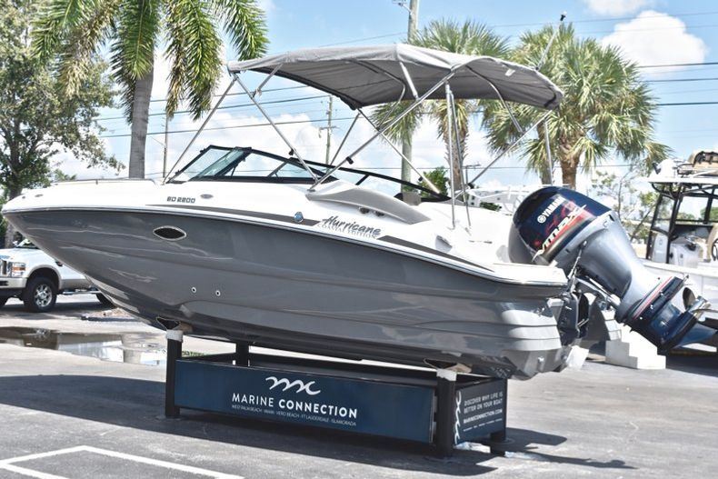 Thumbnail 5 for New 2019 Hurricane SunDeck SD 2200 OB boat for sale in West Palm Beach, FL