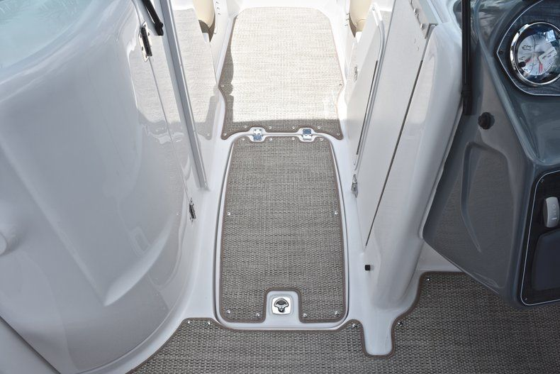 Thumbnail 44 for New 2019 Hurricane SunDeck SD 2200 OB boat for sale in West Palm Beach, FL