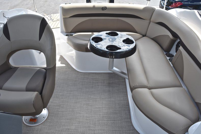 Thumbnail 18 for New 2019 Hurricane SunDeck SD 2200 OB boat for sale in West Palm Beach, FL