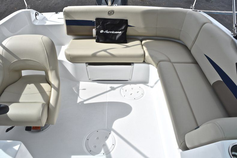 Thumbnail 14 for New 2019 Hurricane SunDeck SD 187 OB boat for sale in West Palm Beach, FL