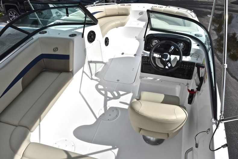 Thumbnail 12 for New 2019 Hurricane SunDeck SD 187 OB boat for sale in West Palm Beach, FL