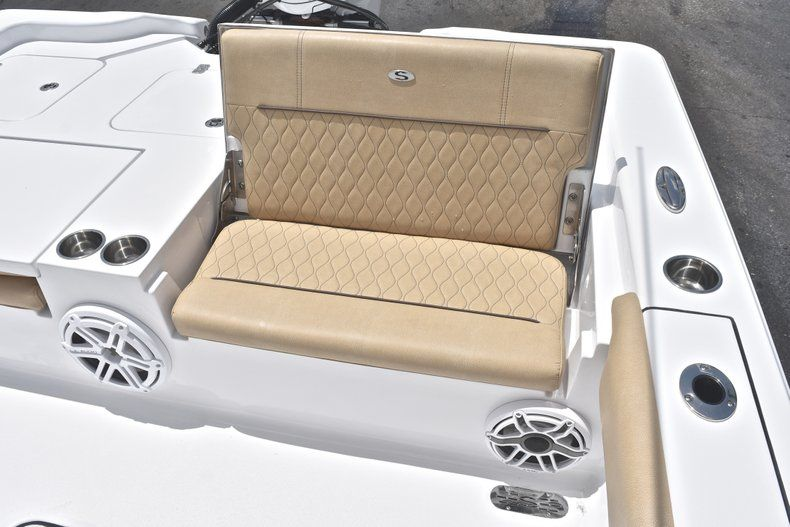 Thumbnail 18 for New 2019 Sportsman Masters 267 Bay Boat boat for sale in Miami, FL