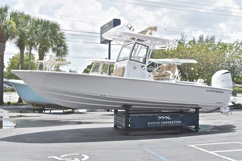 Thumbnail 3 for New 2019 Sportsman Masters 267 Bay Boat boat for sale in Miami, FL
