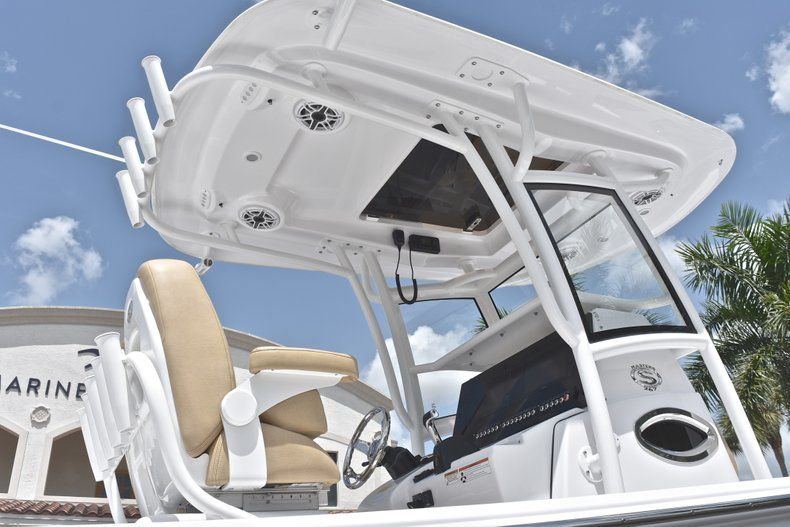Thumbnail 8 for New 2019 Sportsman Masters 267 Bay Boat boat for sale in Miami, FL