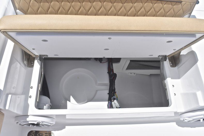 Thumbnail 22 for New 2019 Sportsman Masters 267 Bay Boat boat for sale in Miami, FL