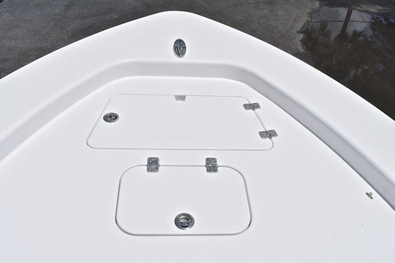 Thumbnail 67 for New 2019 Sportsman Masters 267 Bay Boat boat for sale in Miami, FL